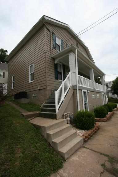 3 BEDROOM 1.5 BATH WITH LAUNDRY GREENSBURG, PA NEAR LECOM