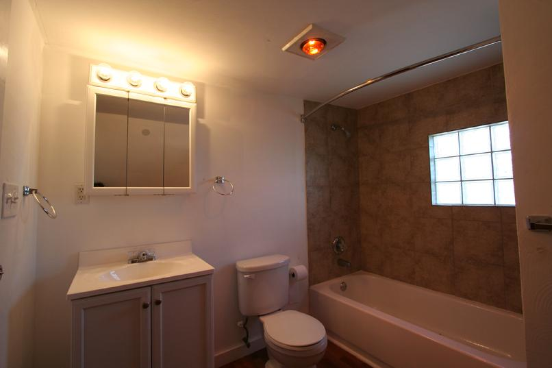 Greensburg apartment information center find apartments for Heating bulbs bathrooms