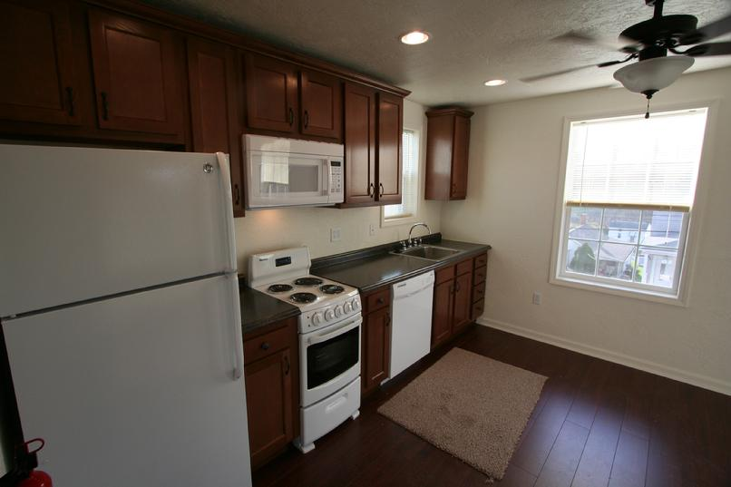 GREENSBURG PA LUXURY ONE BEDROOM APARTMENTS NEAR SETON HILL LECOM