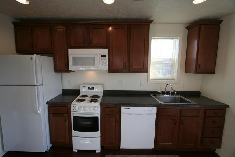 LUX 1 BEDROOM APARTMENT NEAR LECOM SETON HILL GREENSBURG PA