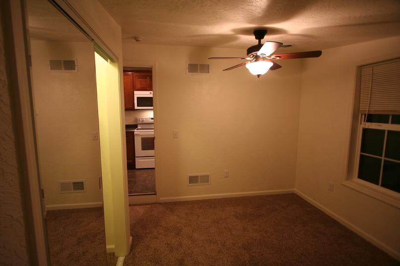 UPSCALE 1 BEDROOM APARTMENT FOR RENT GREENSBURG PA NEAR LECOM