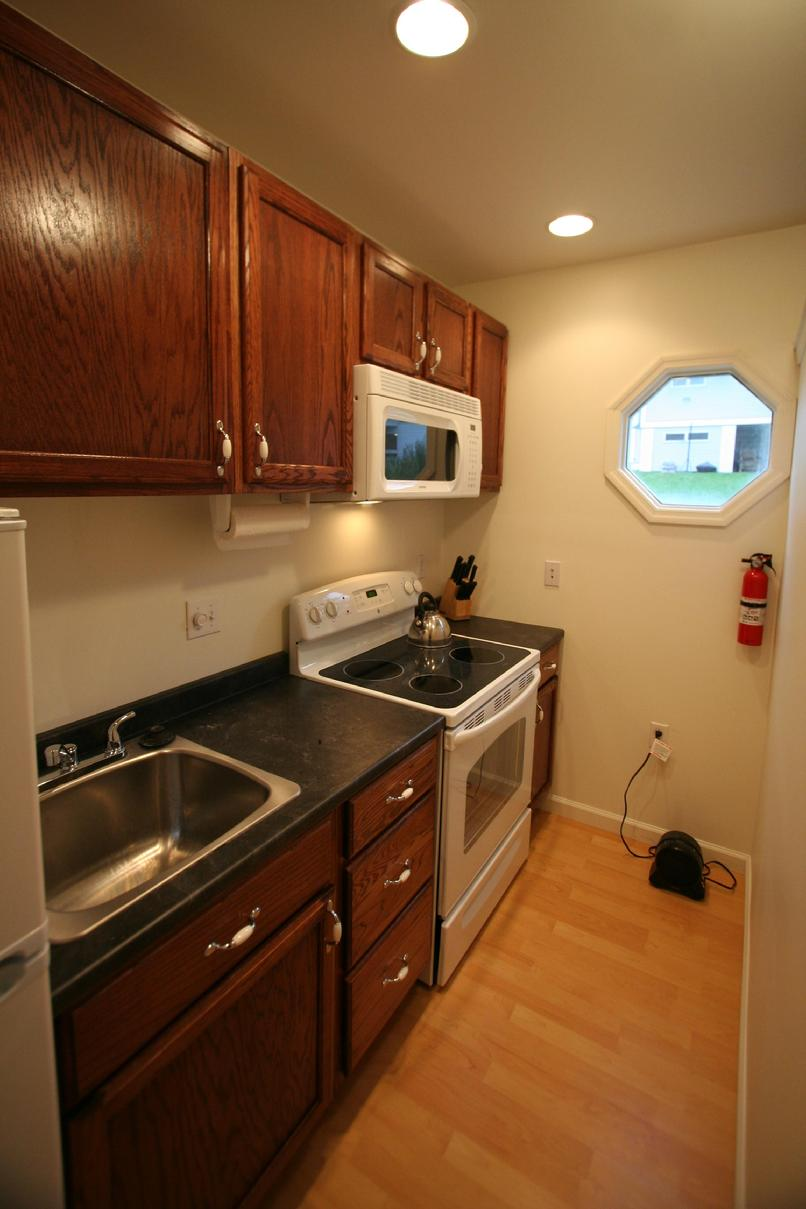 CORPORATE SHORT TERM APARTMENT IN DOWNTOWN GREENSBURG PA