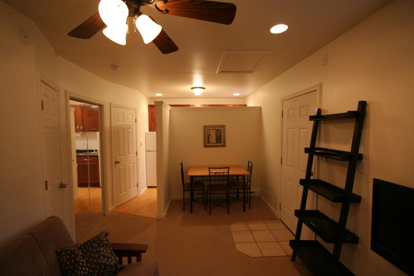 FURNISHED EFFICIENCY APARTMENT NEAR SETON HILL  GREENSBURG PA